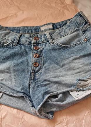 Джинсовые шорты colin's. 36-38 размер