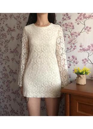 Изысканное платье мини ажурное цвета айвори xs
