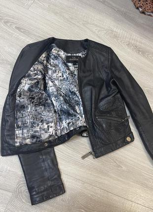 Шкіряна кожана куртка