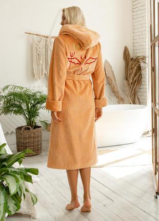 Именной женский махровый халат с индивидуальной вышивкой