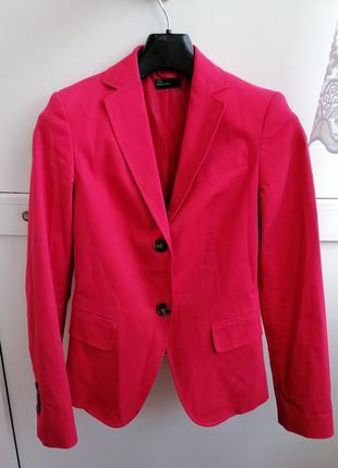 Пиджак женский розовый на пуговичках