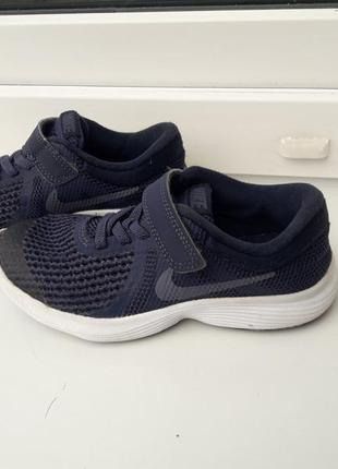 Легкие гибкие кроссовочки nike р. 28.5