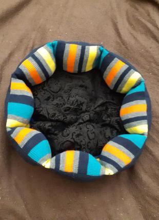 Двухсторонняя лежанка лежак для кошек и собак размер 35×35 см