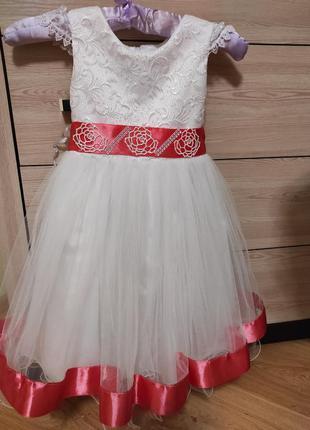 Платье нарядное. новогоднее.