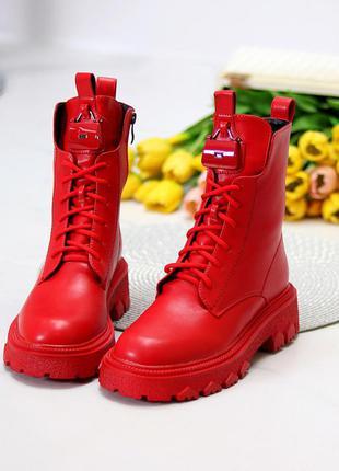 Яркие люксовые высокие красные женские ботинки на флисе низкий ход    к. 11697