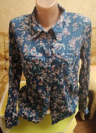 Рубашка в модный принт