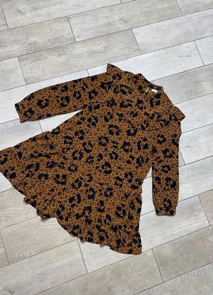 Коричневое мини платье с воланами,цветочный принт(13)