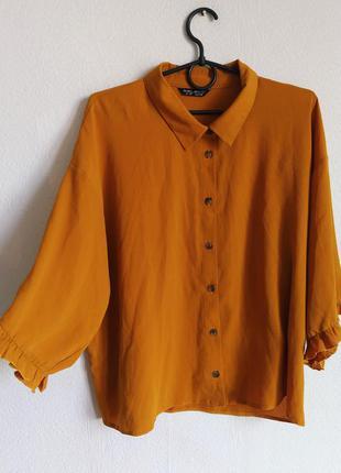 Горчичная шифоновая блуза на пуговках