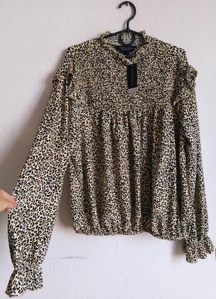 Шикарная фактурная блуза гольф с рюшами