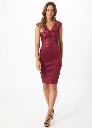 Шикарное платье с палетками и дорогим кружевом lipsy!