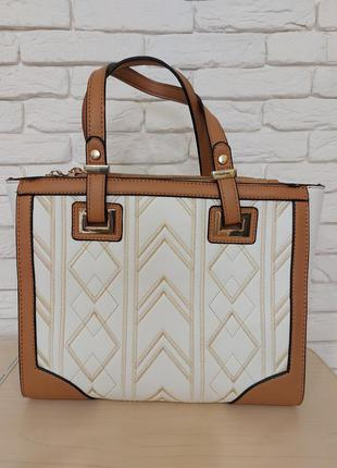 Удобная стильная сумка.