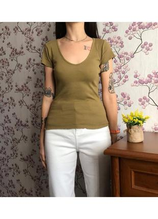 Модная приталенная футболка хаки в рубчик xxs-xs