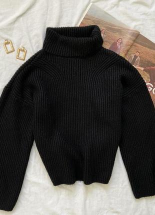 Чёрный свитер с свободными рукавчиками asos