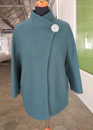 Кашемірове осіннє коротке пальто