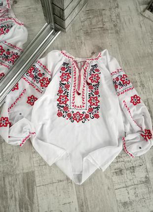 Женская белоснежная вышиванка