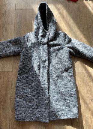 Пальто курька рябая серая рукав капюшон карманы