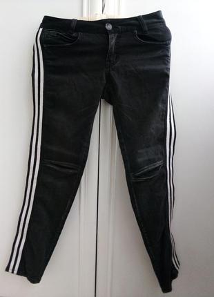 Итальянские брендовые джинсы с лампасами