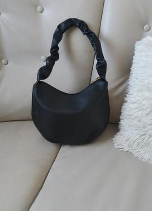 Трендова сумка  на плече вмістка
