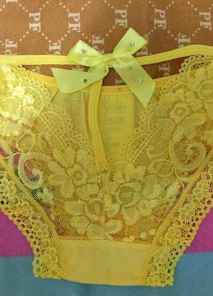 Нежные солнечные желтые кружевные трусики слипы с бантиком и стразами на нем сзади на банте хит 3488