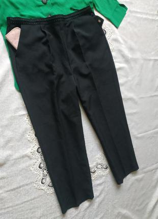 Брюки с юоковыми кпрманами черные брюки