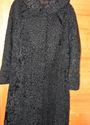 Классическое каракулевое пальто
