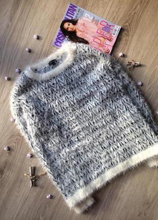 Мягкий,тёплый свитер травкой