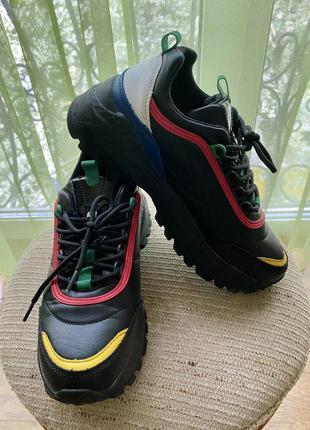 Кроссовки чёрные кроссовки benetton