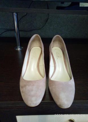 Замшевые туфли 39р