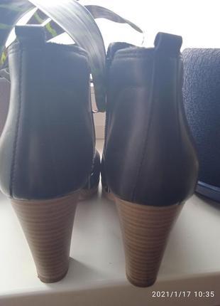 Ботинки кожаные anna field