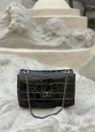 Кожаная чёрная сумочка женская итальянская на цепочке
