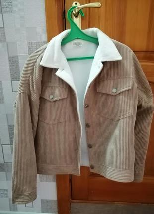 Куртка в идеальном состоянии!!