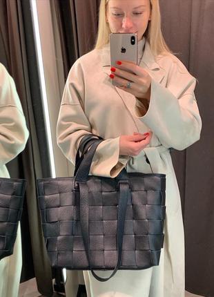 Кожаная сумка шопер в стиле боттега плетённая чёрная