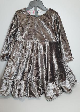 Красивееное бархатное платье