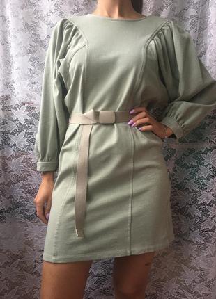 Платье оливкового/зеленого цвета с рукавом от bershka