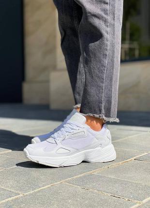 Женские кроссовки адидас