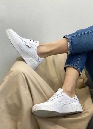 Белые кожаные женские кроссовки пума
