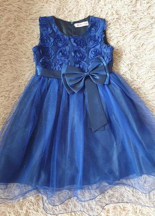 Платье 👗 на девочку восхитительное