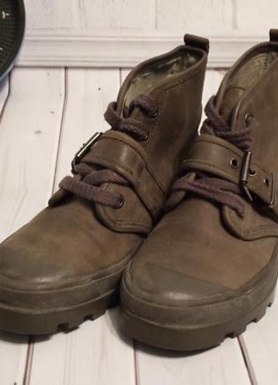 Черевики жіночі на шнурівку
