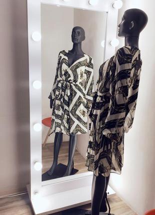 Шикарное шыфоновое платье  в красивенный принт с цепями asos✨