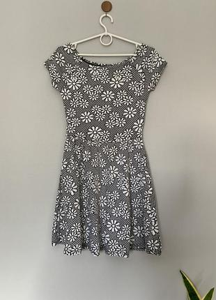 Платье из тёплого трикотажа