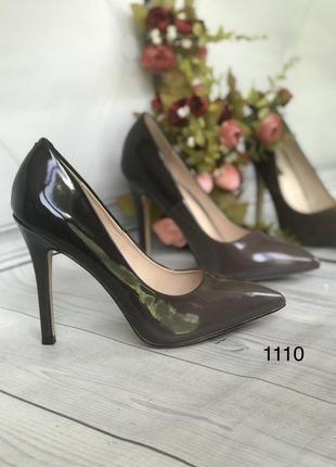 Красивые коричневые туфли женские