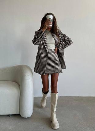 Трендовый твидовый костюм двойка пиджак и юбка в клетку