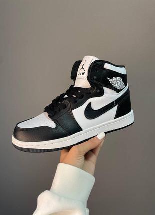 Женские демисезонные спортивные кроссовки nike air jordan 1 retro high white black