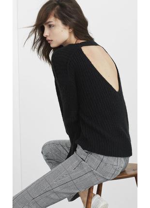 Черный шерстяной осенний джемпер с открытой спиной l/12-14 размер.