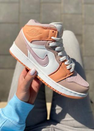Женские демисезонные спортивные кроссовки nike air jordan 1 retro high peach