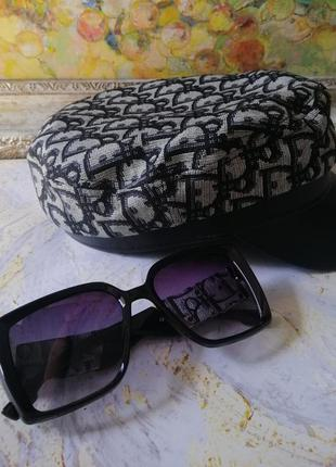 Брендовыая кепка картуз с модной текстурой