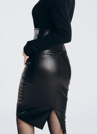 Кожаная юбка миди , черная юбка , юбка на меху , теплая юбка