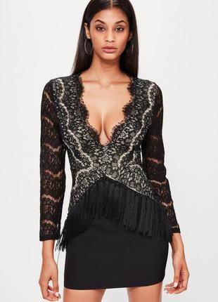 Кружевное мини платье с бахромой
