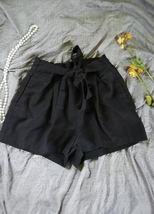 Жіночі шорти на зав'язку