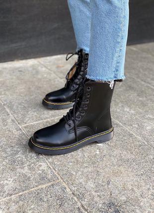 Женские стильные осенние ботинки dr. martens classic black